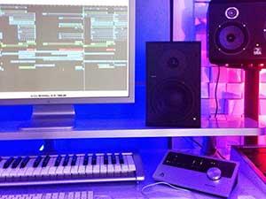 hardwell-studio-2